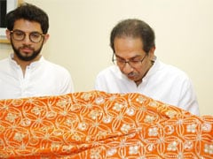 "Uddhav Thackeray, Aaditya Thackeray Send ""<i>Chadar</i>"" To Ajmer Sharif"
