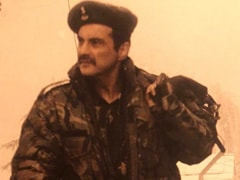 Sanjay Kapoor Gets Nostalgic As He Shares Throwback Pic From <I>LOC: Kargil</I> Sets