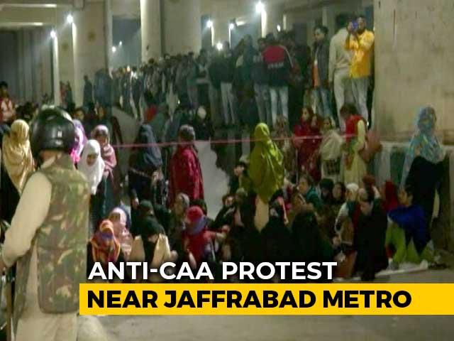 Video : Over 200 Women Block Delhi Road, Back Bhim Army Chief's Shutdown Call