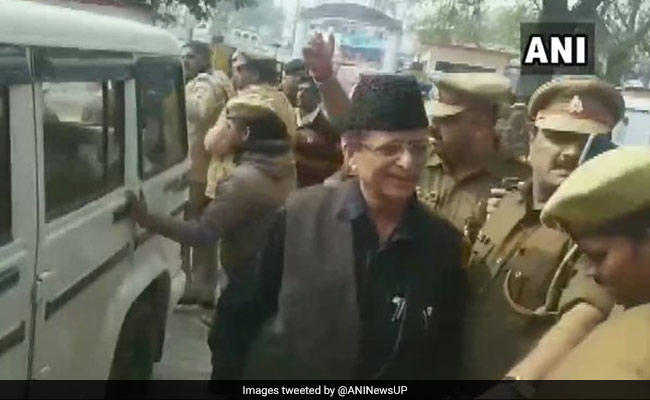Akhilesh Yadav Meets Samajwadi Party MP Azam Khan, Wife, Son In Sitapur Jail