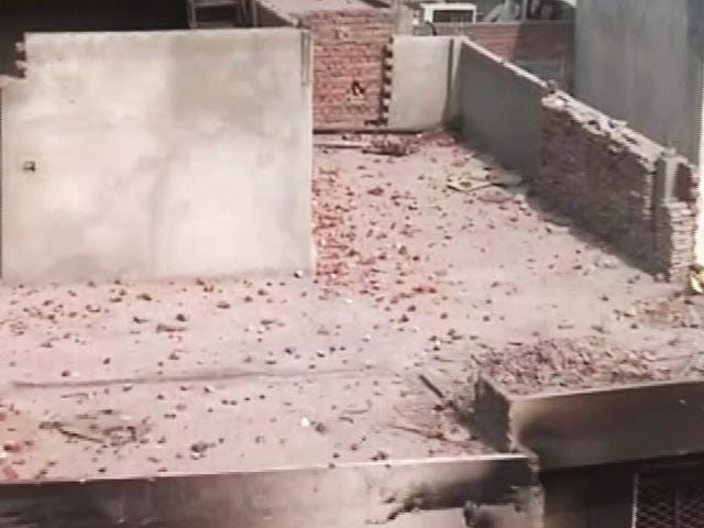 Video : A Look Around AAP Leader Tahir Hussain's House Who Has Been Accused Of Violence