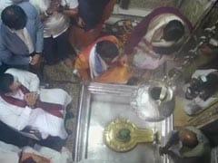 श्रीलंका के प्रधानमंत्री राजपक्षे ने काशी विश्वनाथ के दर्शन किए