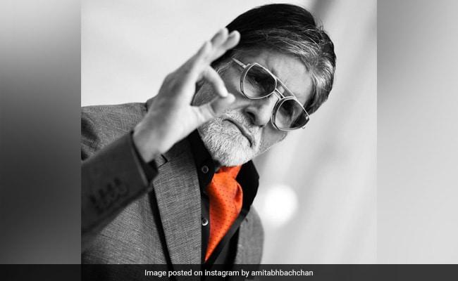 Amitabh Bachchan's 'Chashme Ka Fashion' Post Cracks The Internet Up