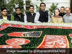 सोनिया गांधी ने अजमेर में ख्वाजा मोइनुद्दीन चिश्ती की दरगाह के लिए भेजी चादर