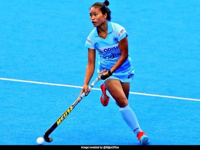 "Indias Lalremsiami Bags ""2019 Womens FIH Rising Star Of The Year"" Award"