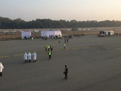 कोरोना वायरस से प्रभावित वुहान पहुंचा एयर इंडिया का दूसरा विमान, 323 भारतीय निकाले गए सुरक्षित