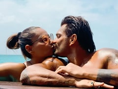 More Pics From Bipasha Basu And Karan Singh Grover's Dreamy Holiday