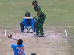 IND vs PAK: दिव्यांश सक्सेना ने एक हाथ से लिया हैरतअंगेज कैच, देखता रह गया पाकिस्तानी बल्लेबाज, देखें Video
