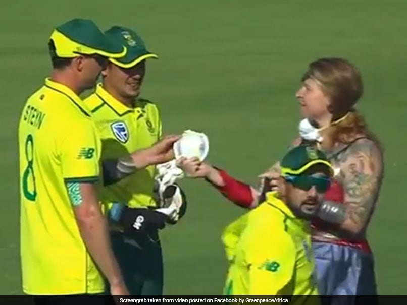 "Watch: ""Wonder Woman"" Interrupts Play, Hands Masks To Quinton De Kock, Dale Steyn"