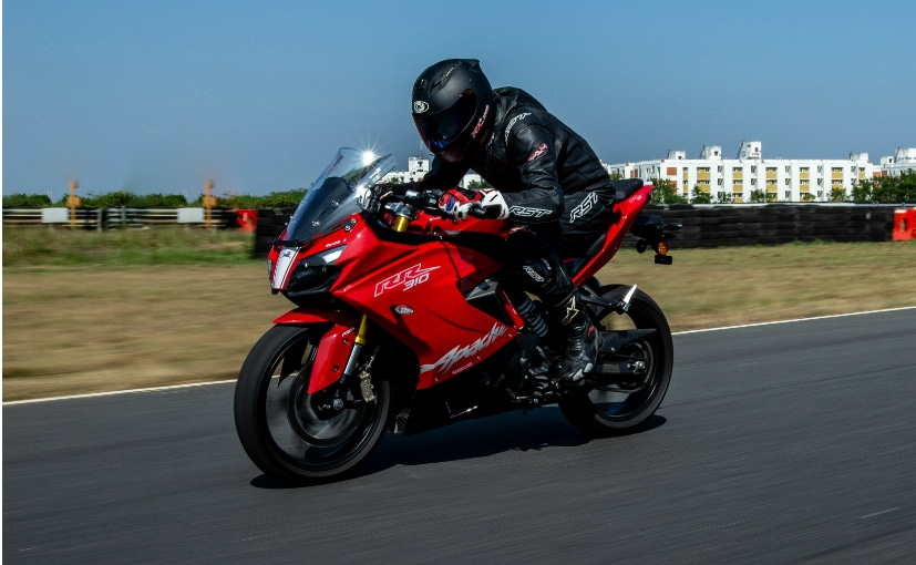 The 2020 TVS Apache RR 310 gets updated to meet the BS6 emission regulations