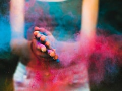 How To Remove Holi Colour From Your Skin And Hair