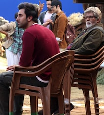 Big B 'Needs 4 Chairs To Keep Up With' This Actor