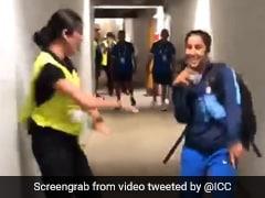 जब सिक्योरिटी गार्ड के साथ डांस करने लगी यह इंडियन क्रिकेटर तो कार्तिक आर्यन बोले- कप जीतकर लाओ जेमी...देखें Video