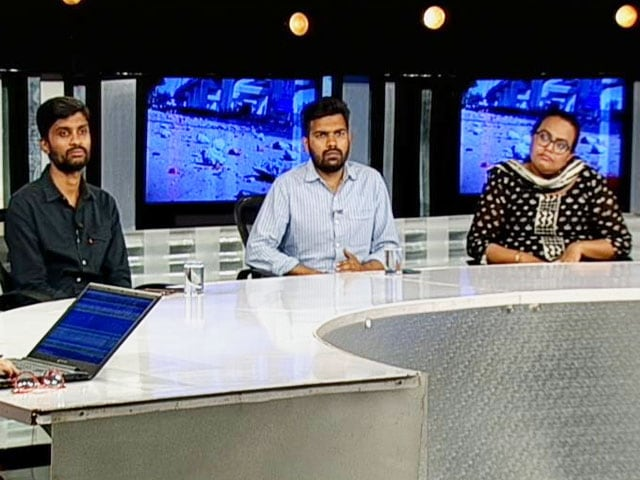 Video : NDTV Reporters Recount How They Were Attacked By Mob In Delhi