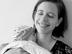 """Sleep Deprived"" Kalki Koechlin Shares An Adorable Pic With Baby Daughter Sappho"