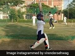 Pulwama Attack में शहीद का बेटा बना 'क्रिकेटर', सहवाग ने फोटो पोस्ट कर लिखा- 'सौभाग्यशाली हूं कि...'