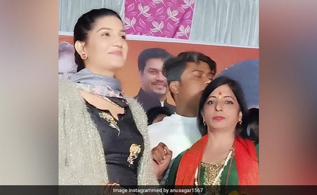 BJP के प्रचार के लिए पहुंची सपना चौधरी ने पूछा 'किसको विजयी बनाना है', लोग बोले- केजरीवाल को...Video Viral
