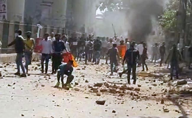 North East Delhi Violence Updates: अमित शाह से मुलाकात के बाद केजरीवाल बोले- सब मिलकर शांति बहाल करेंगे
