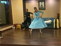 Janhvi Kapoor Dancing To <i>Piya Tose Naina Laage Re</i> Is A Sheer Delight