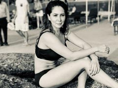 Another Day, Another Beach Vibes Throwback Pic From Kim Sharma