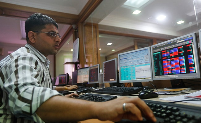 Sensex, Nifty End Flat Amid Volatility; Infosys Gains 1%