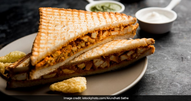 High-Protein Diet: Try This Mushroom Paneer Toast For Your Next Quick Breakfast