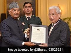 कुष्ठरोग उन्मूलन के प्रयासों के लिए राष्ट्रपति रामनाथ कोविंद ने डॉ. धर्मशक्तु को अंतर्राष्ट्रीय गांधी पुरस्कार से किया सम्मानित