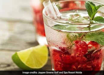Berry Kanji - A Fruity Twist To Your Favourite <i>Desi</i> Drink (Recipe Inside)