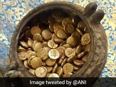 मंदिर के पास खुदाई में मिले 1.7 किलो सोने के सिक्के, अरबी भाषा में लिखा मिला कुछ ऐसा...