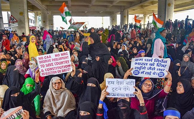1,000 Women Block Delhi Road Over CAA, Back Bhim Army's Strike Call