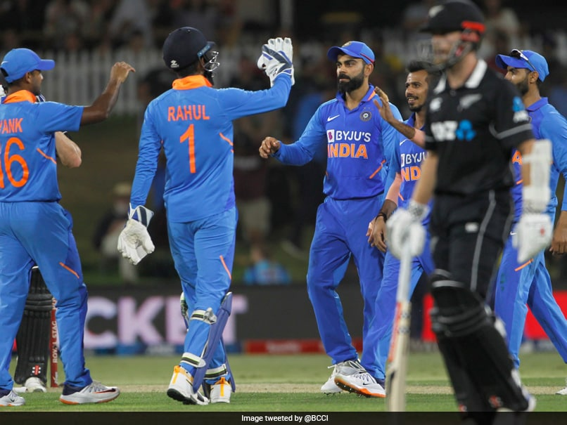 New Zealand vs India 3rd ODI Live Score: Shardul Thakur Keeps Indias Hopes Alive As Henry Nicholls Falls For 80