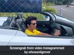 सुनील ग्रोवर दोस्तों से गाड़ी में लगवा रहे थे धक्का, तभी हुआ ऐसा...Video हो गया वायरल