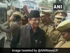 Akhilesh Yadav Meets Samajwadi Party MP Azam Khan, Wife, Son In Sitapur Jail