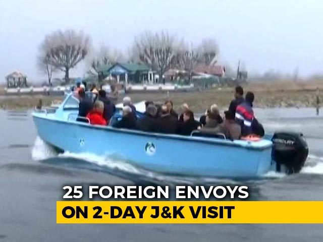 Video : Envoys In Kashmir Take Boat Ride On Dal Lake, Meet With Entrepreneurs