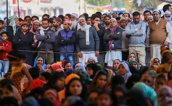बॉलीवुड एक्टर ने किया ट्वीट, लिखा- 'सभी हिंदू-मुस्लिम, सीएए, एनआरसी में व्यस्त है उधर भारत का कर्ज बढ़कर...'