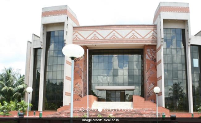 Row Over IIM-Calcutta Draft Code For Barring Public Airing Of Views By Teachers