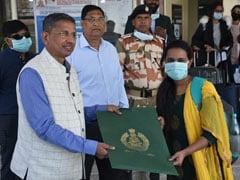 आईटीबीपी नई दिल्ली सेंटर से कोरोना वायरस से नेगेटिव पाए जाने वाले यात्रियों को घर के लिए किया गया रवाना
