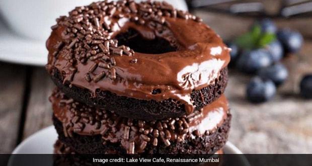 This Video Of Krispy Kreme Making Tonnes Of Doughnuts Is All Things Satisfying