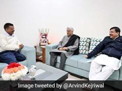 दिल्ली में शानदार जीत हासिल करने वाले अरविंद केजरीवाल से मिले जावेद अख्तर, कही यह बात...