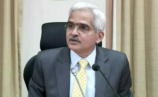 RBI Refrains From Giving Inflation Outlook; Says GDP Projections At Risk