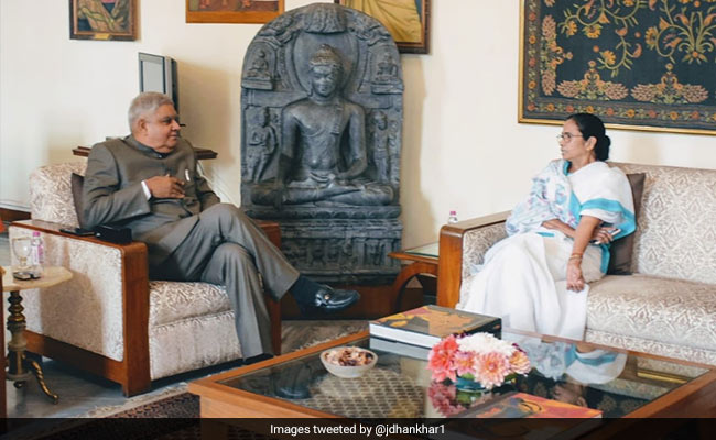 Amid War Of Words, Mamata Banerjee Meets With Bengal Governor