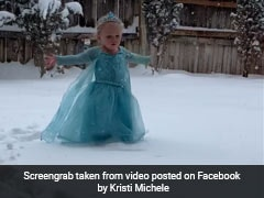 Toddler Dresses Up As Elsa, Sings <i>'Frozen'</i> Song. Video Is Melting Hearts
