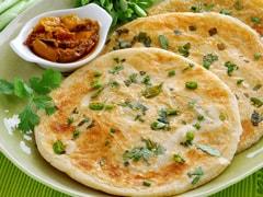 Stale Chapati: बासी रोटी खाने के हैं गजब फायदे, ब्लड प्रेशर को करेगी कंट्रोल, Diabetes में है फायदेमंद, एसिडिटी, अपच से भी दिलाएगी छुटकारा!