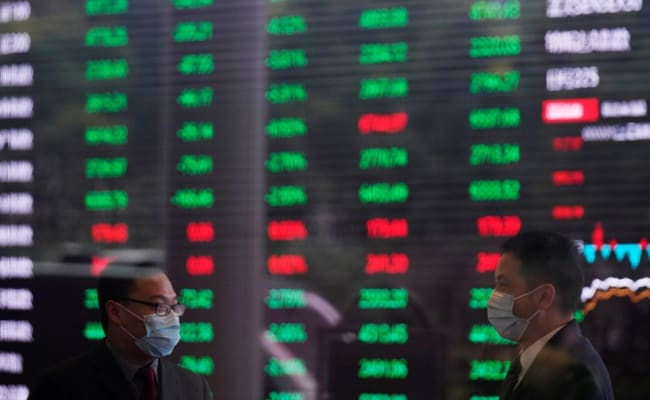 Asian Stocks Sink, Extending Global Rout On Recession Fears thumbnail