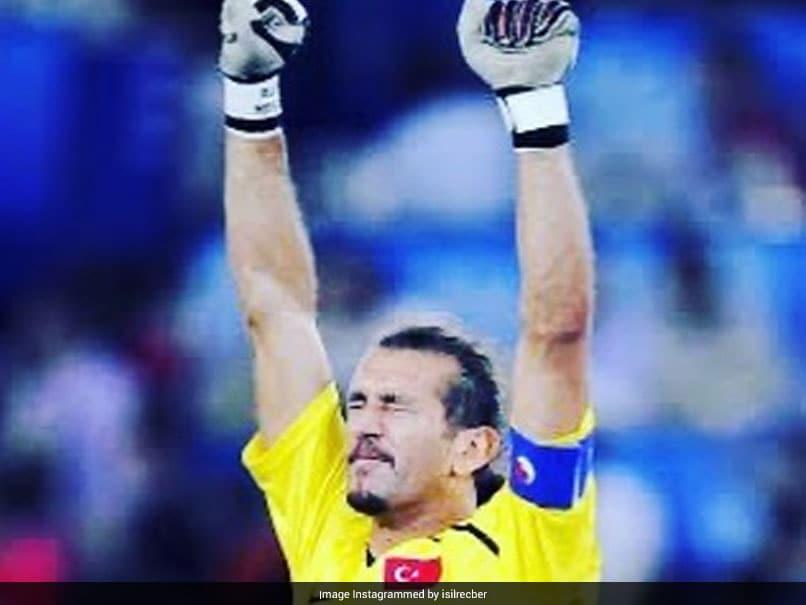 Turkish World Cup hero Recber infected with coronavirus