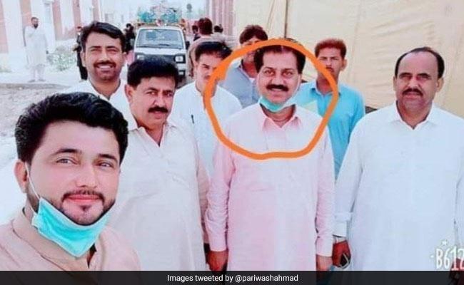 Pakistani Civil Servants Sacked For Selfie With Coronavirus Patient