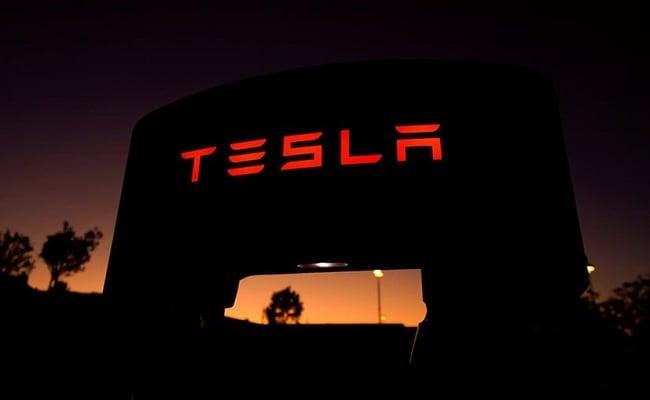 Coronavirus: Tesla Threatens To Move Operations Out Of California