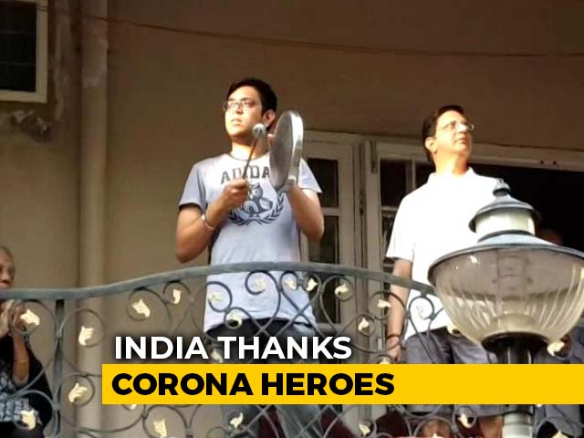 Video : Citizens Clap At Homes To Support Those Fighting Coronavirus