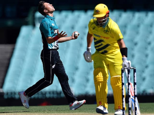 AUS vs NZ: New Zealand Make 2 Huge DRS Blunders During 1st ODI vs Australia. Watch Video
