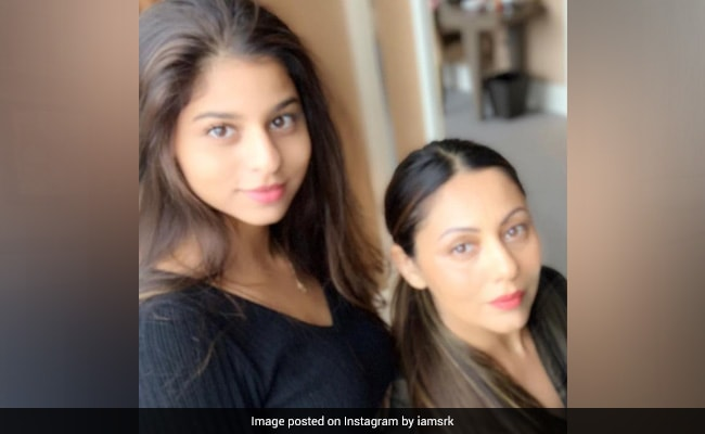 Gauri Khan Is Busy 'Learning' Make-Up Tips From Daughter Suhana